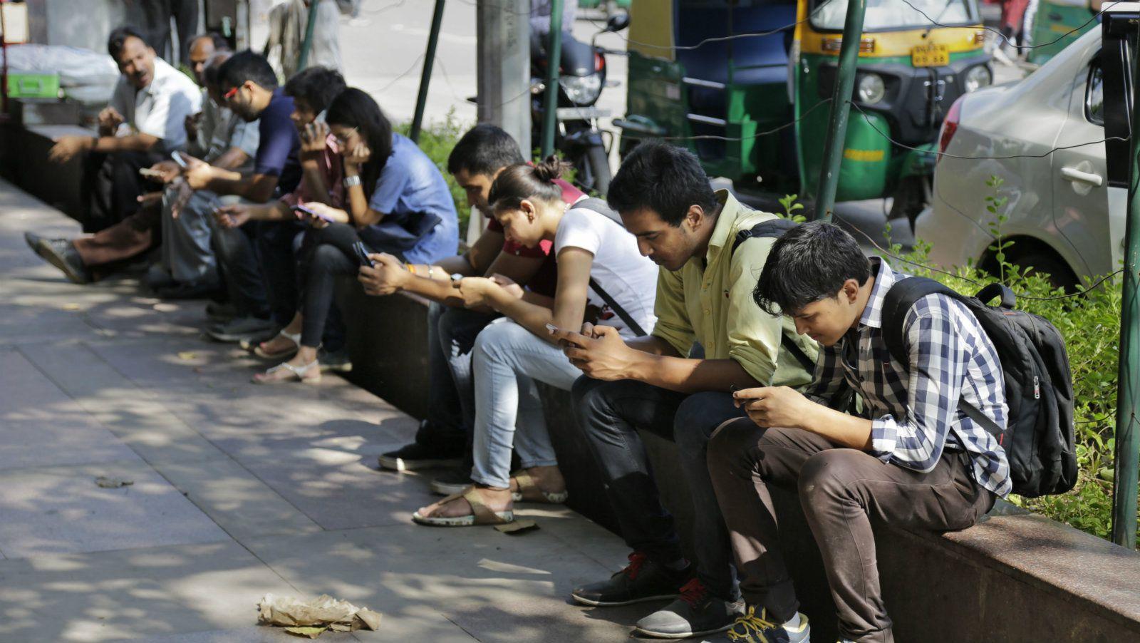 پاکستان میں چار سالوں کے دوران ایک کروڑ ساٹھ لاکھ نئے انٹرنیٹ صارفین