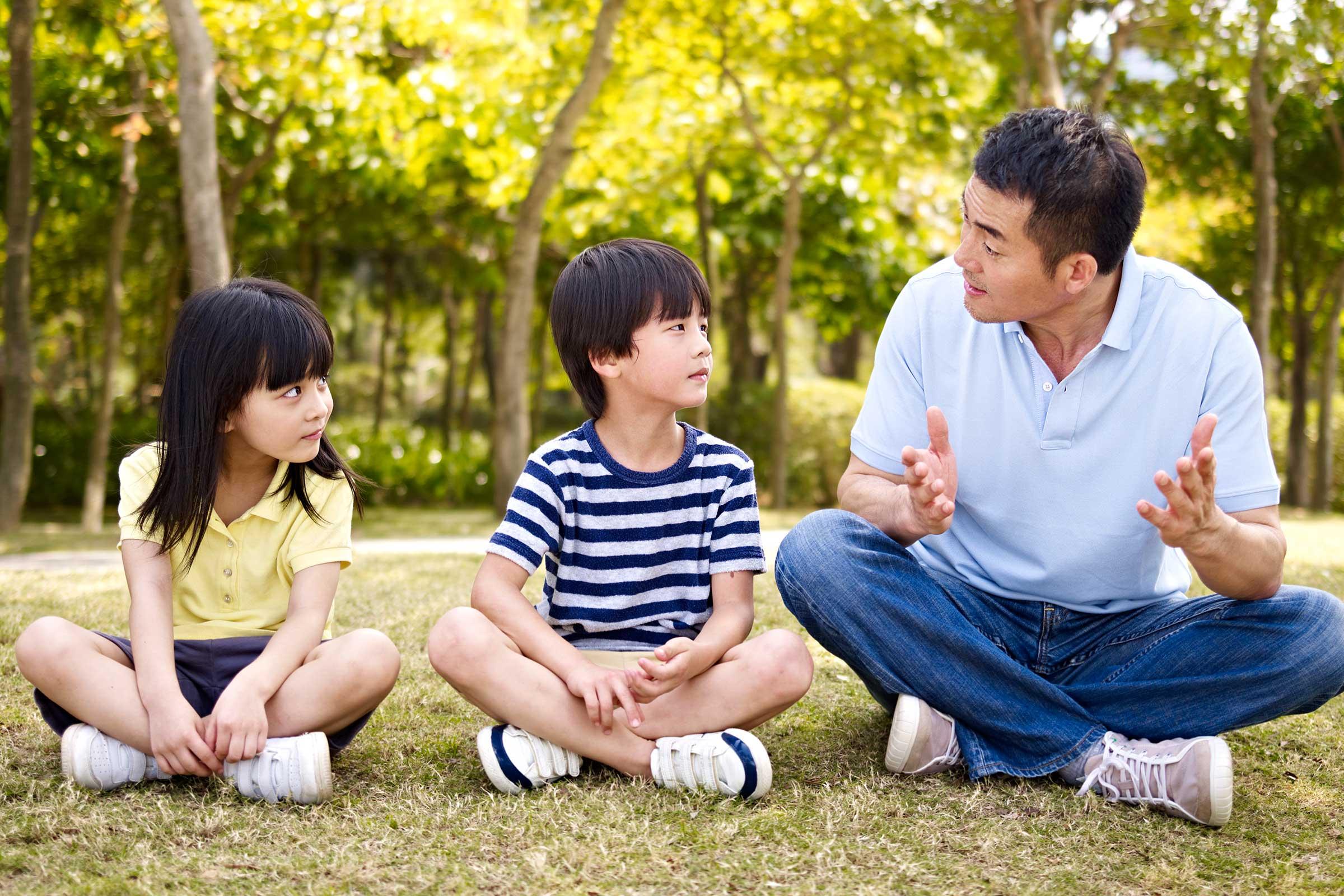 والدین کی بچوں کیساتھ دوستی کیوں ضروری ہے؟